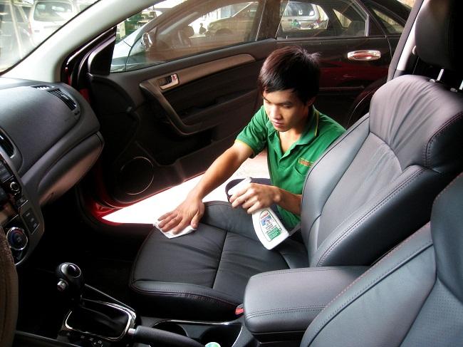 Chăm sóc xe hơi đúng cách không phải ai cũng biết