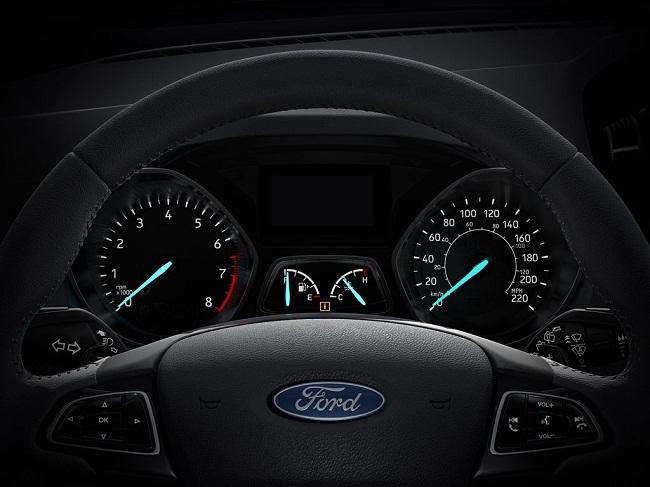 Kinh nghiệm giúp bạn lái xe vừa an toàn vừa tiết kiệm nhiên liệu