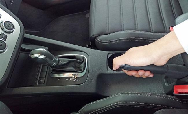 Phanh tay ô tô và những điều cần biết