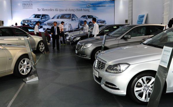 Những kinh nghiệm khi mua xe ô tô mới cho người tiêu dùng Việt