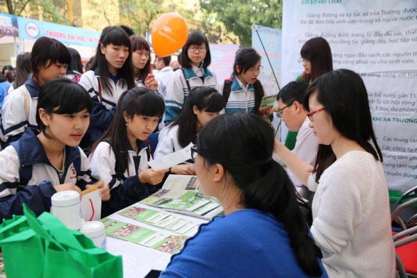 Thông tin các trường xét tuyển học bạ tại Hà Nội và TPHCM