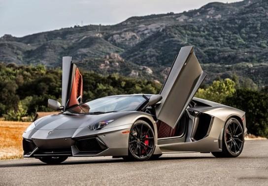 Lamborghini hãng xe hơi thể thao